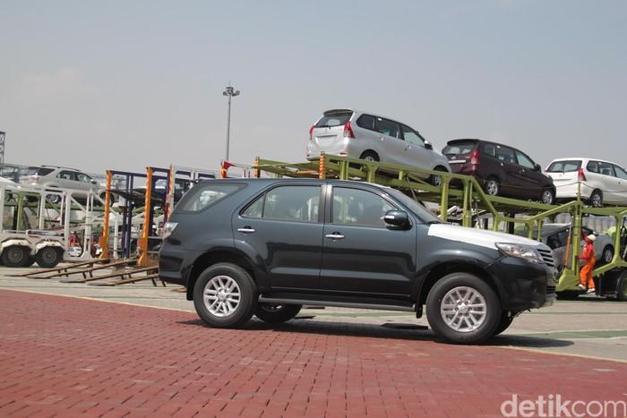 Ekspor mobil Toyota Fortuner, Yaris, Vios