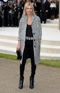 LONDON, ENGLAND - SEPTEMBER 21:  Kate Moss attends the Burberry Womenswear Spring/Summer 2016 show during London Fashion Week at Kensington Gardens on September 21, 2015 in London, England.  (Photo by Stuart C. Wilson/Getty Images for Burberry)