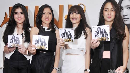 Girl Band Blink Rilis Album Baru