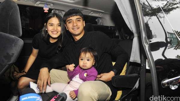 Kebersamaan Ricky Harun dengan Istri dan Anak Tercinta
