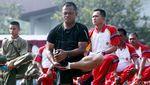 Aksi Panglima TNI Senam Bersama Prajurit TNI