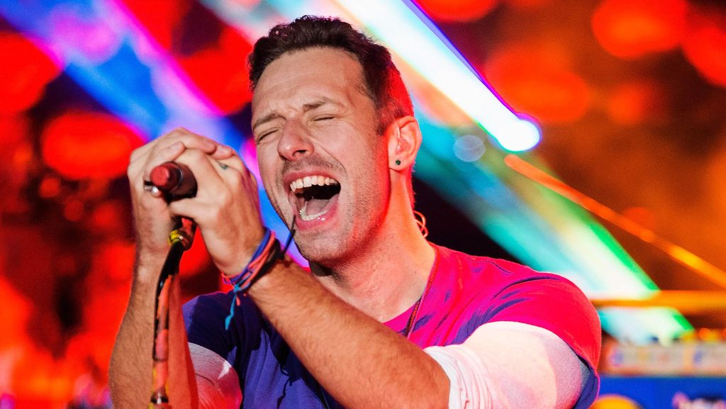 Chris Martin Curhat Terpisah dari Personel Coldplay karena Corona
