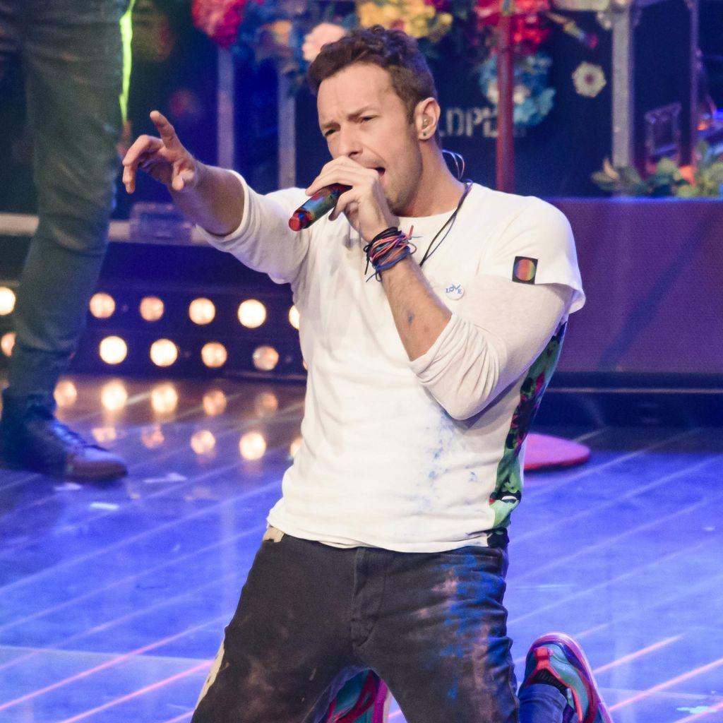 Chris Martin Cerita Kesulitan Jadi Frontman Coldplay hingga Perceraian