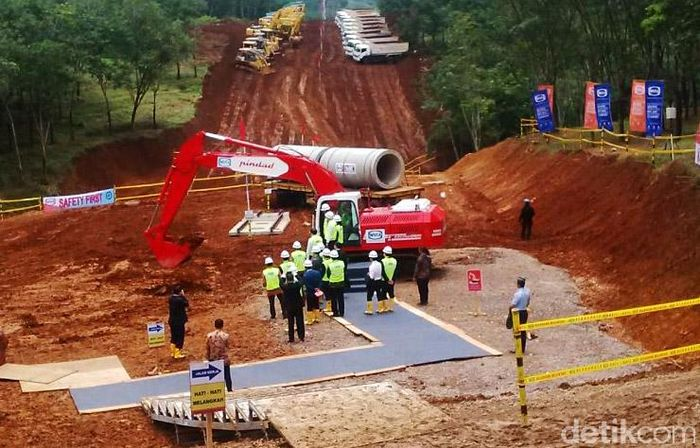 Proyek kereta cepat (High Speed Train/HST) rute Jakarta-Bandung mulai groundbreaking, Kamis (21/1/2016) oleh Presiden Joko Widodo (Jokowi). Dana Aditiasari/detikcom.