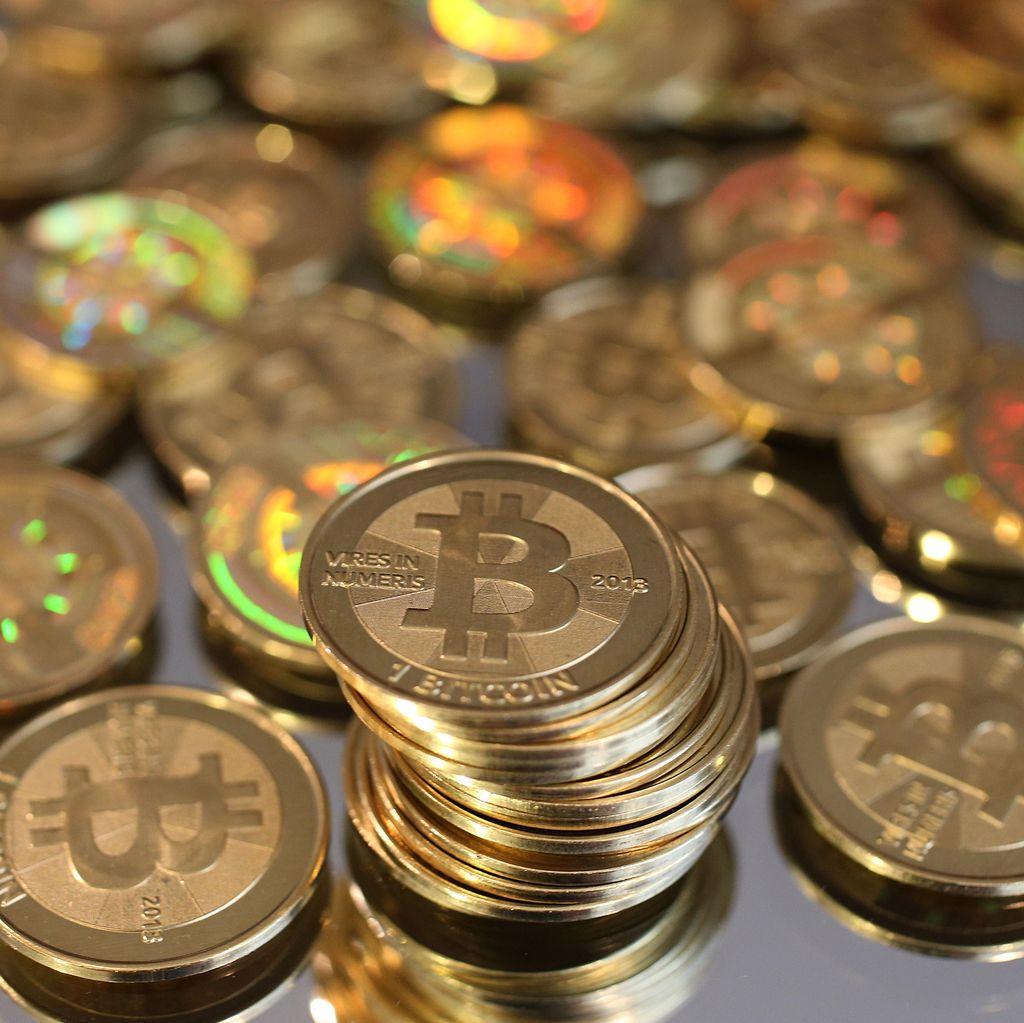 Tips Menghadapi Anjloknya Nilai Bitcoin