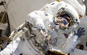 Nyamm! Astronot di Luar Angkasa Mendapat Kiriman Es Krim hingga Pizza