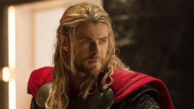 Palu Thor yang sangat besar membuat kemampuan Thor tak perlu diragukan lagi, detikers.