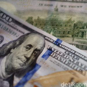 Sidang Putusan MK Siang Ini, Dolar AS Tekan Rupiah ke 14.160