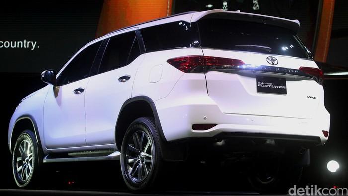 PT Toyota Astra Motor (TAM) resmi menghadirkan SUV Fortuner generasi terbaru. Toyota Astra Motor (TAM) resmi meluncurkan All New Fortuner. Rengga Sancaya/detikcom.