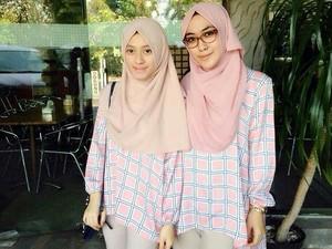 Suka Duka Pebisnis Muda yang Berbisnis Hijab dan Kue
