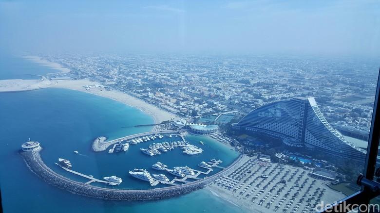 Ilustrasi Dubai (Ine Yordenaya)