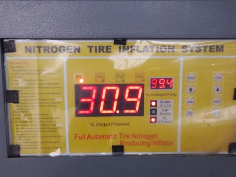 Ilustrasi pengisian ban nitrogen. Foto: Istimewa