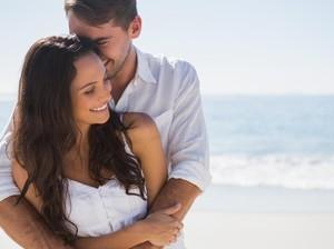 4 Waktu Paling Favorit untuk Bercinta