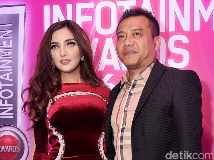 Anang & Ashanty di Infotainment Awards 2016