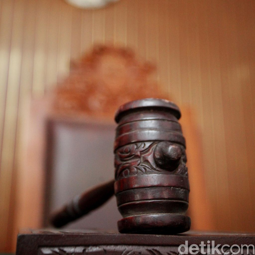 Praperadilan Lucas Tersangka Kaburnya Eddy Sindoro Dicabut