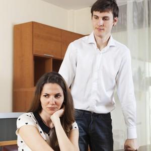 Apa yang Harus Dilakukan Saat Suami Selingkuh dan Tak Memberi Nafkah?