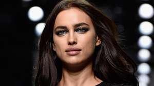 Kendall Jenner dan Irina Shayk Berbaju Semi Transparan di NYFW