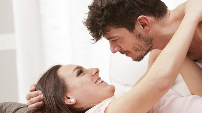 Ilustrasi pasangan bercinta di malam pertama. Foto: Thinkstock