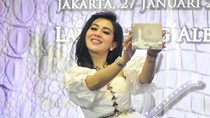 Virus Corona Menyebar, Syahrini: Cuci Tangan Harus Lebay!