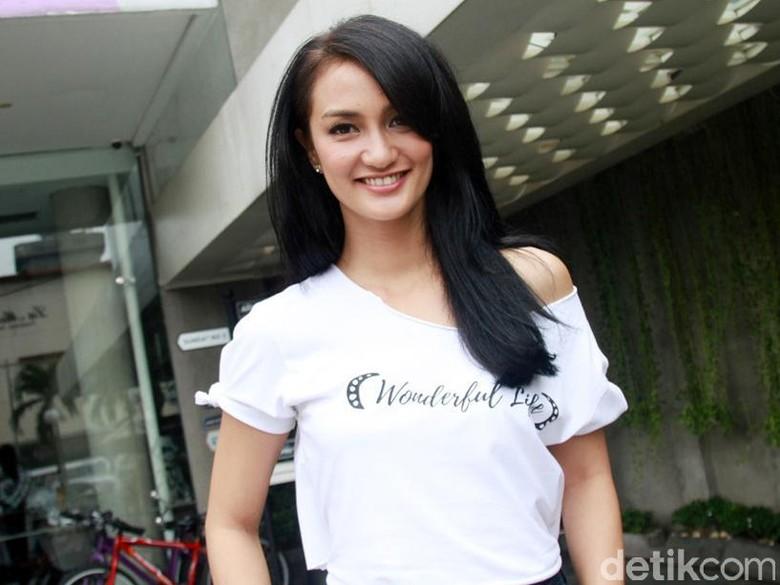 Atiqah Hasiholan Dipanggil Polda sebagai Saksi Hoax Ratna Sarumpaet