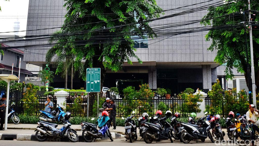 Masih Sterilisasi, Penutupan Gedung DPRD DKI Diperpanjang hingga 9 Agustus