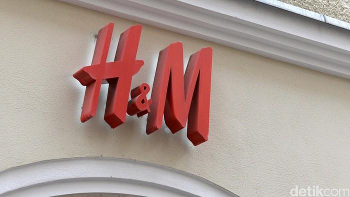 Retailer asal Swedia H&M. Foto: Ari Saputra