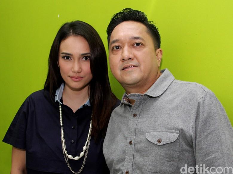 Foto: Feby Febiola dan Franky Sihombing (Ismail/detikHOT)