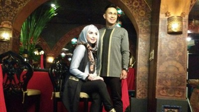 Tips Jaga Keharmonisan Rumah Tangga ala Ramzi dan Istri