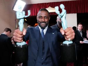 So Sweet! Idris Elba Lamar Kekasih di Bioskop