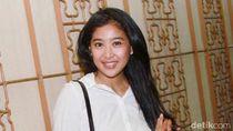 Lawan Corona, Olivia Zalianty Rajin Buat Ramuan Herbal Sendiri