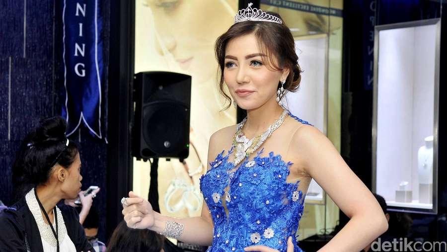 Tak Hanya Syahrini, Bella Shofie Juga Tampil Bak Princess