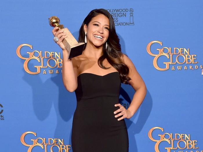 Aktris Gina Rodriguez ini akhirnya datang untuk berobat di New York University untuk penyembuhan penyakit tiroidnya setelah diagnosis awal pada usia 19 tahun. (Foto: Getty Images)