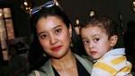 Marcella dan Olivia Zalianty Tampil Hitam-putih