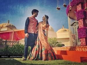 Hanya Pakai Smartphone, Pria Ini Ciptakan Foto Pernikahan yang Indah