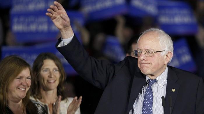 U.S. Democratic presidential candidate Bernie Sanders speaks at his caucus night rally Des Moines, Iowa February 1, 2016, REUTERS/Rick Wilking