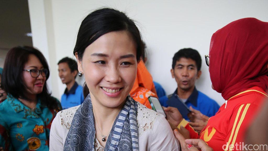 Veronica Tan Pamerkan Batik Betawi Buatan Warga Rusun Marunda
