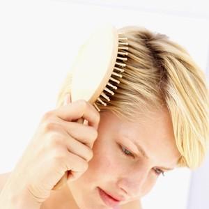 Jarang Disadari, Ini 6 Tanda Rambut dan Kulit Kepala Mengalami Penuaan