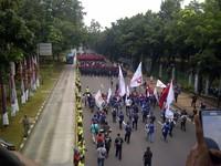 Buruh Janji Nggak Demo, Faisal Basri Kritik Penanganan Corona