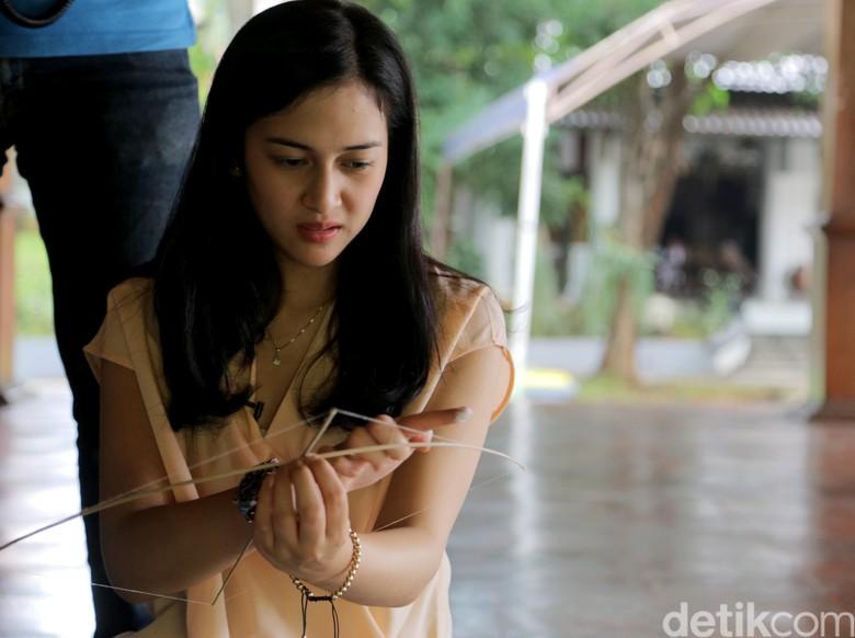 Foto: Ditipu Manajer, Nina Zatulini Rugi Puluhan Juta (Asep Syaifullah)