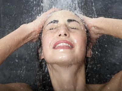 6 Manfaat Mandi dengan Air Dingin untuk Kesehatan