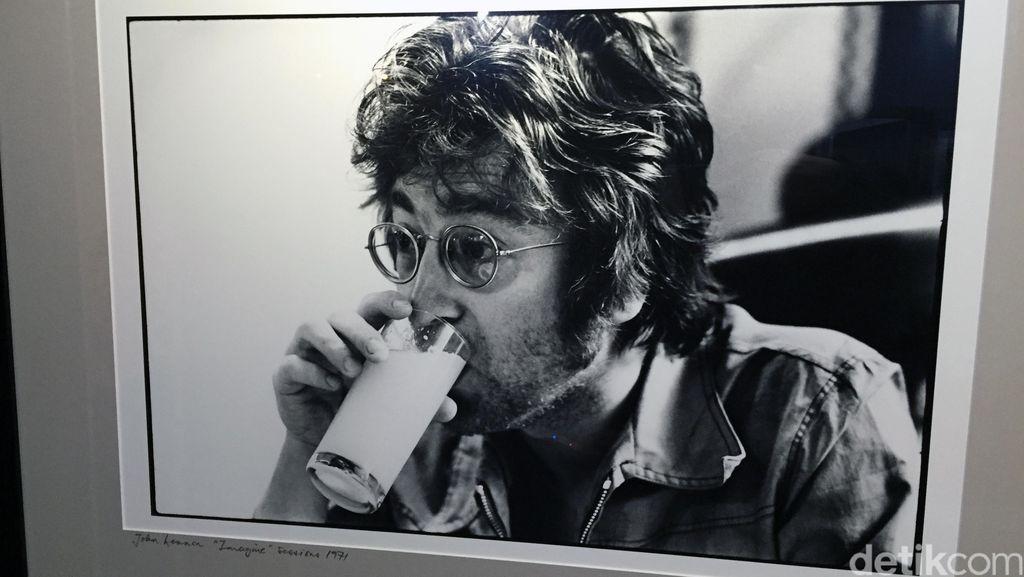Terungkap! Pembunuh Rencanakan Tembak John Lennon 2 Bulan Sebelumnya