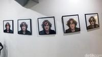 Beragam ekspresi wajah John Lennon