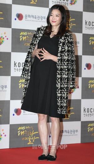 Ini Cara Jun Ji Hyun Agar Tetap Langsing Pasca Melahirkan
