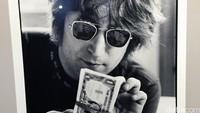John Lennon sempat-sempatnya menghitung uang, padahal saat itu dia lagi menyusun lirik 'Imagine'.