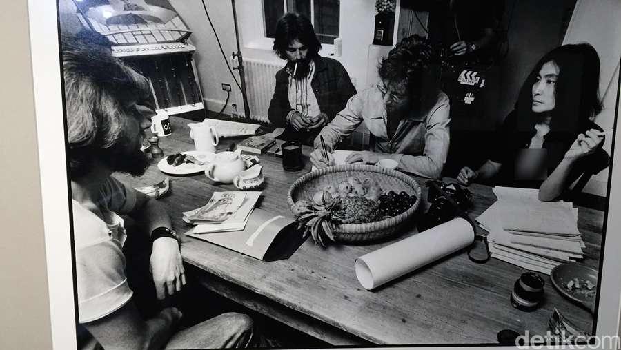 Potret Kehidupan John Lennon