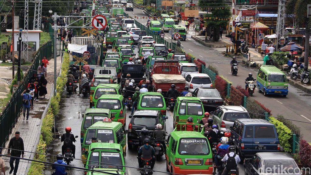 Kota Bogor Macet Parah, Wali Kota Sebut Jumlah Angkot 3.000-an