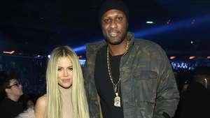 Lekukan Tubuh Kim Kardashian dalam Balutan Gaun Menerawang