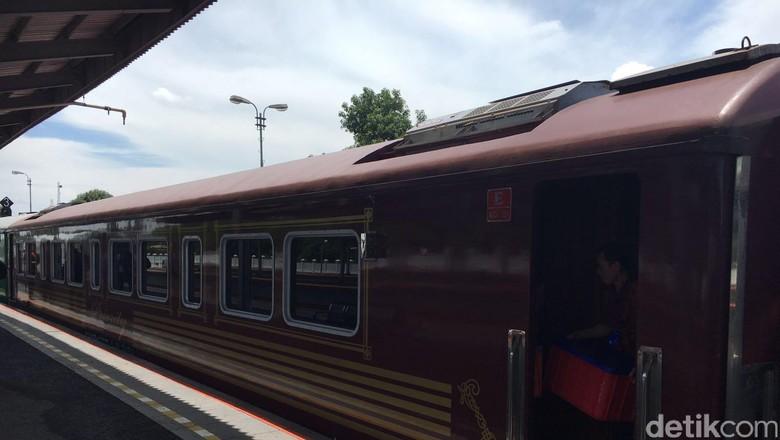 Kereta Wisata KAI