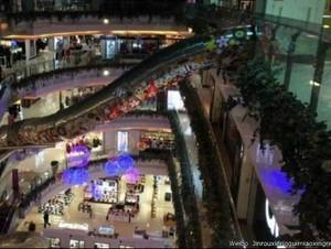 Perosotan Raksasa di China Picu Ketakutan dan Kecaman