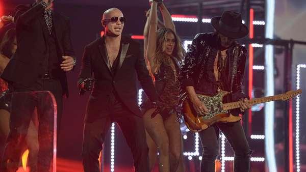 Adios! Pitbull Tutup Gelaran Grammy 2016